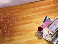 桌面上时尚杂志与红茶商务ppt宝藏背景图片
